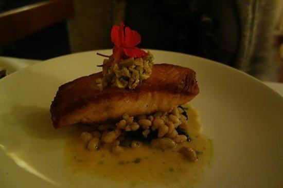 Suzanne Fine Regional Cuisine: Salmon