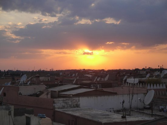 Riad La Villa Marrakech: sunset from the rooftop terrace of the riad