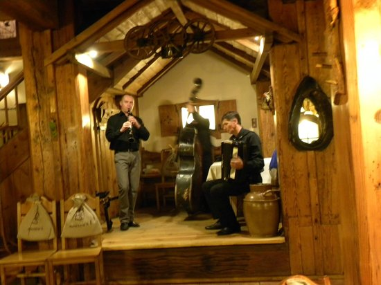 Spichrz Hotel: Restaurant entertainment