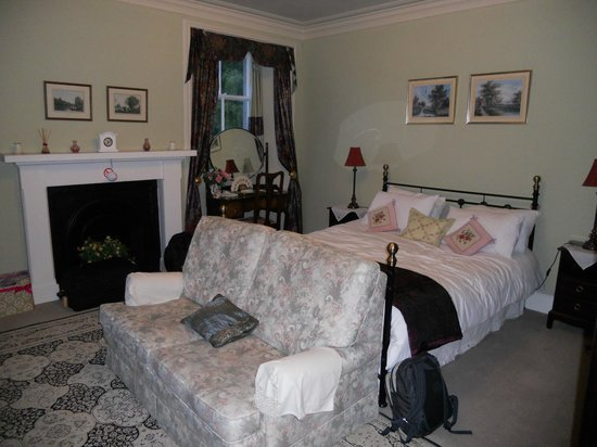 The Old Manse : Our huge room