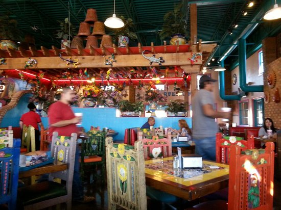 Rosa's Cafe and Tortilla Factory: Inside Rosa's eating area