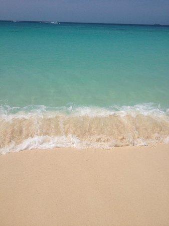 La Cabana Beach Resort & Casino: crystal clear water white sand beaches