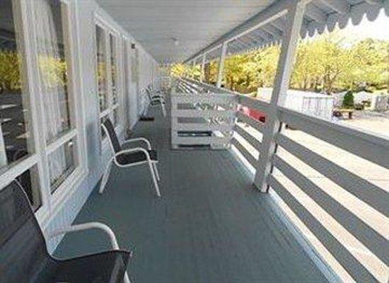 Cape Shore Inn: Breezewaytorooms