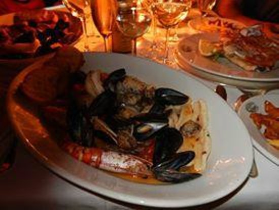 Hotel Luna Convento: Seafood casserole for two
