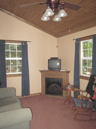 Big Pine Retreat: Interior is elegant and comfortable.