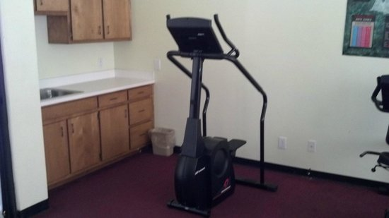 Econo Lodge Inn & Suites Carrollton Smithfield: Fitness Center