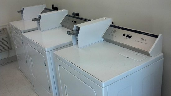 Econo Lodge Inn & Suites Carrollton Smithfield: Guest Laundry