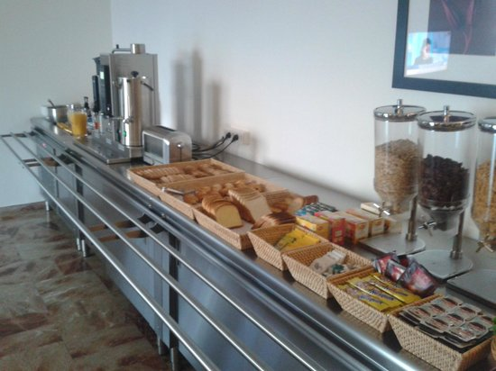 Kalliste Hotel Residence: buffet