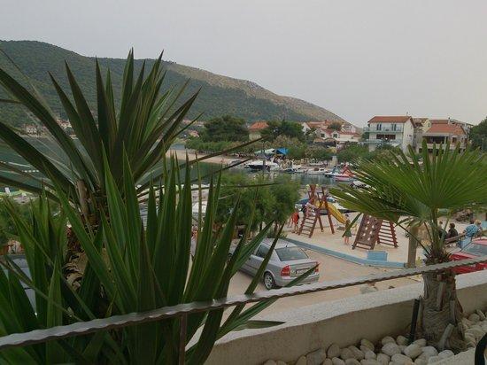 Apartments Holidays Roko: uitzicht vanaf restaurant op 1e verdieping