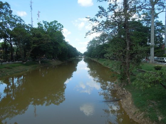 Angkor Sayana Hotel & Spa: The river just near the hotel.