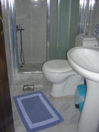 Ledra Maleme: non buttare la carta nel wc