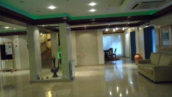 Hotel Regina: hall