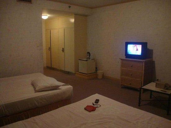 Subic International Hotel: room at bravo building