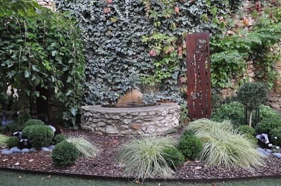 Hostellerie Le Castellas: jardin