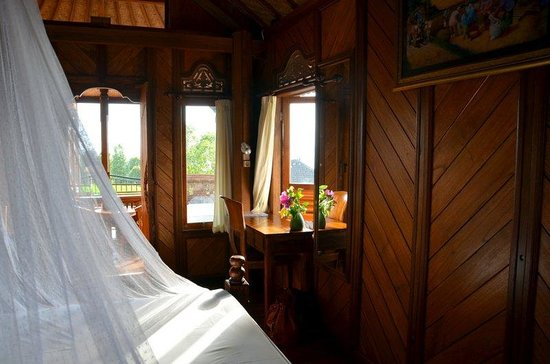 Puri Lumbung Cottages: room