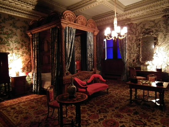 The State Bedroom, Penrhyn Castle