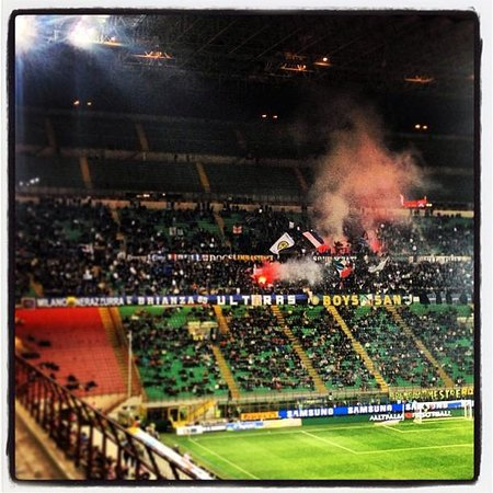 Stadio Giuseppe Meazza (San Siro) : The 'Boys San' ultras of Internazionale (Inter Milan)