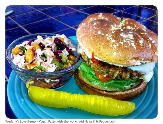 Polly's at the Pier : The Love Burger