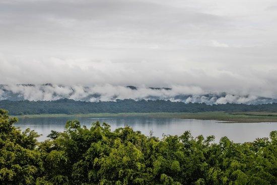 Linda Vista Hotel: Arenal lake