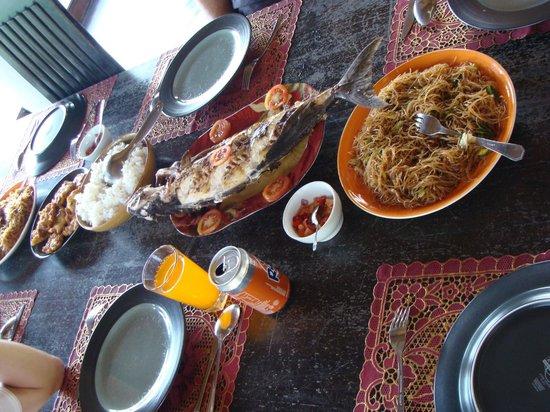 Bunaken Island Resort: food