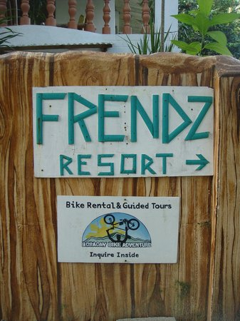 Frendz Resort and Hostel Boracay: found it!