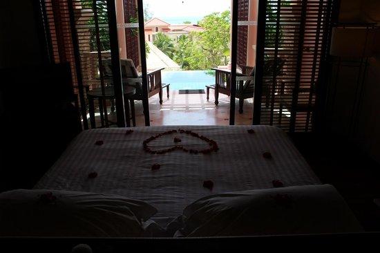 Centara Grand Beach Resort Phuket: Plunge Pool suite view from bed