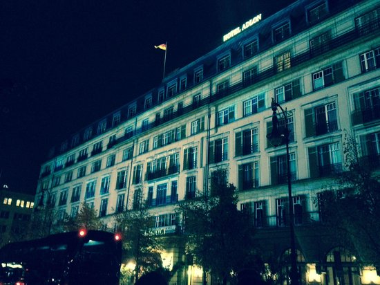 Hotel Adlon Kempinski : Hotel front