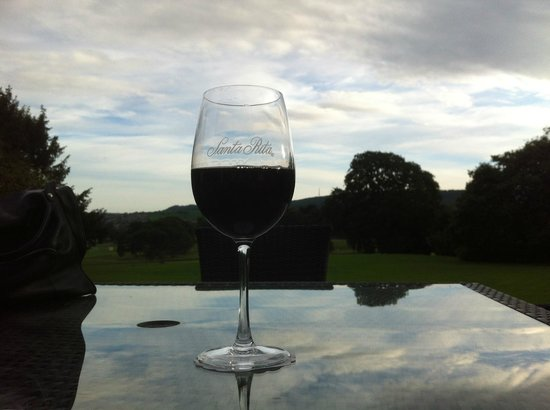 Wrea Head Hall: Tranquil Glass Of Red