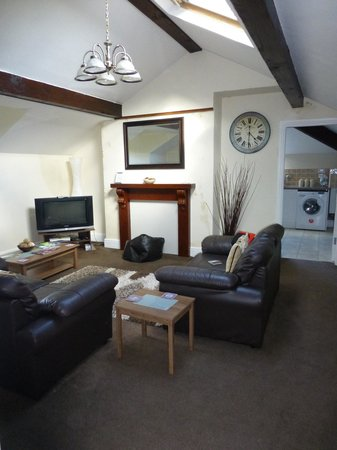 Coed-y-Celyn Hall : Perfect place to relax after a day exploring