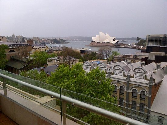 Rendezvous Hotel Sydney The Rocks: The view from the 6th floor