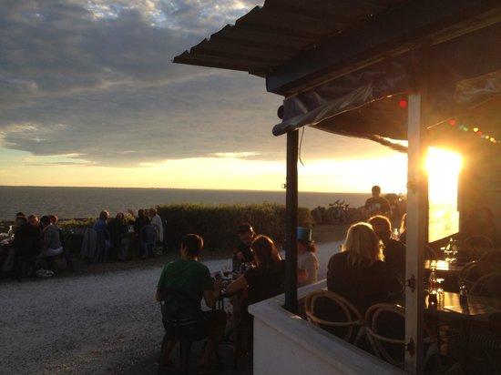 Coucher de soleil au bord de l 39 eau picture of restaurant port lauzieres la rochelle tripadvisor - Restaurant la rochelle port ...