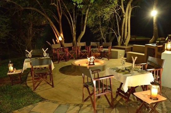 Tambuti Lodge: Dinning