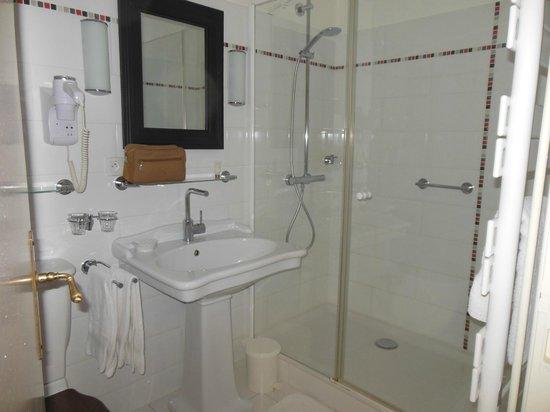 Hotel Diderot : SdB chambre N°3