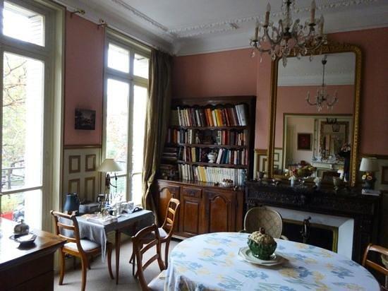 Un Ciel a Paris: The Breakfast Room