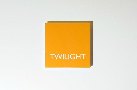 ColorHouse: label twilight room