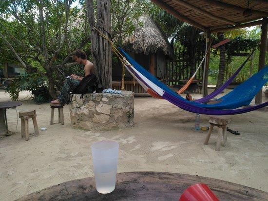 Hostel & Cabanas Ida y Vuelta Camping: Relaxing area