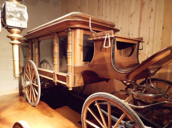 Days of '76 Museum: hearse (the wood on this one is to die for) lol