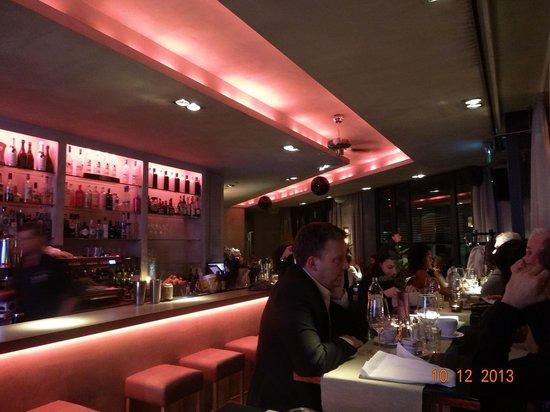 Interior del restaurante bild von lehel bar food club for Food bar lehel