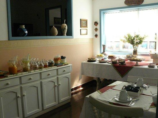 Pouso Caminho das Artes: Salão do café e chá da tarde