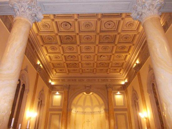 chiesa evangelica valdese - interno - navata unica