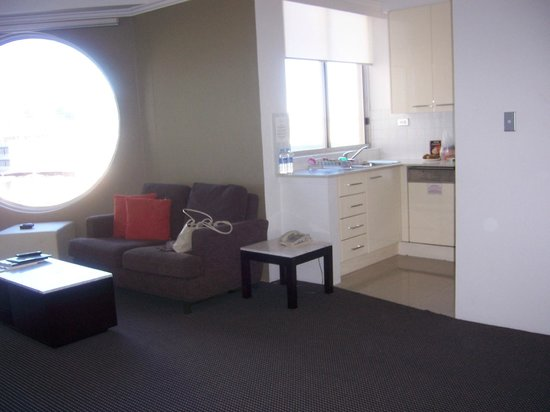 Meriton Serviced Apartments Bondi Junction: Huge windows with view but most great this one