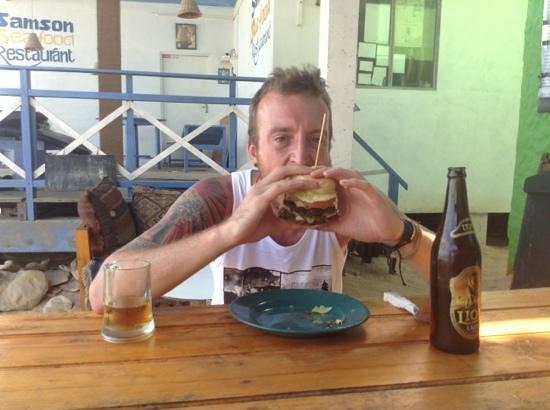 Koko's Beach Grill: burgerrrr
