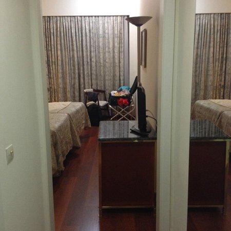 Best Western Ilisia Hotel: Just through the door...