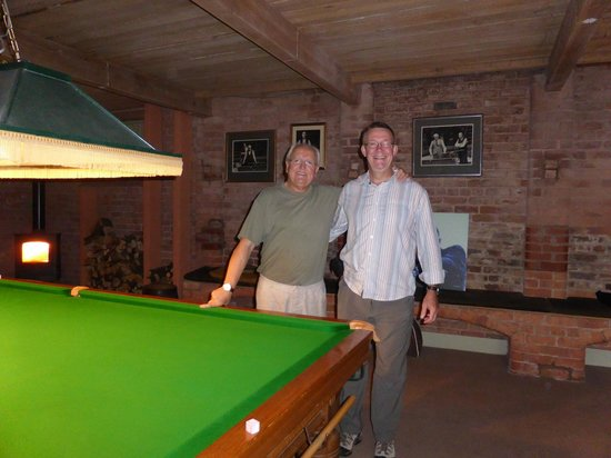 Ash Farm Country Guest House: Host David Taylor in his snooker room
