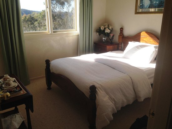 Gables Retreat Bed and Breakfast: double room