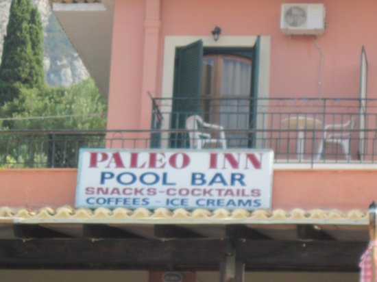 Paleo Inn: la nostra camera vista dalla piscina