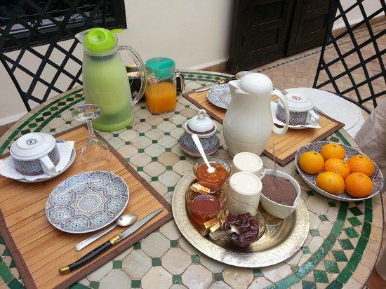 Dar Titrit : Breakfast