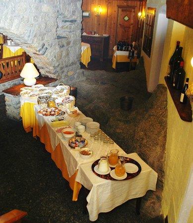 Hotel Dolonne : Frühstücksbuffet