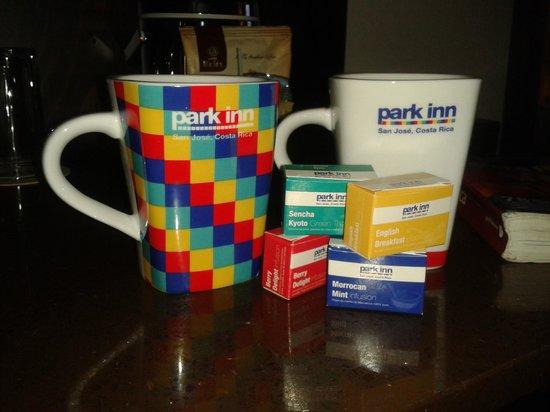 Park Inn by Radisson San Jose: Bonitas tazas para el café y 4 tipos de té