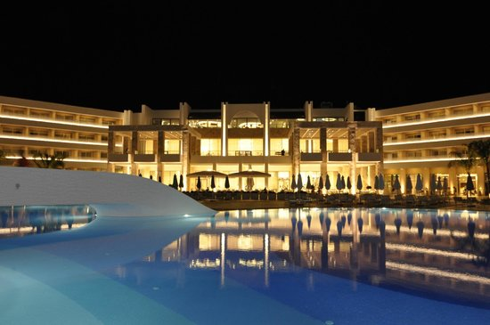 Princess Andriana Resort & Spa : Look from across the pool